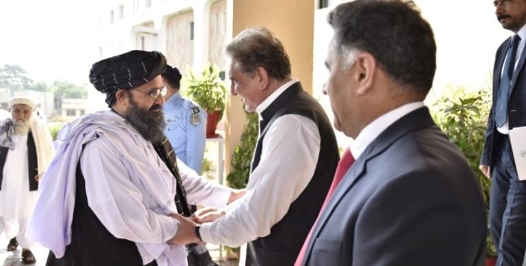 Capo dell'ufficio politico dei talebani si incontra a Kabul con il capo dei servizi segreti pakistani, poco prima della formazione del nuovo governo